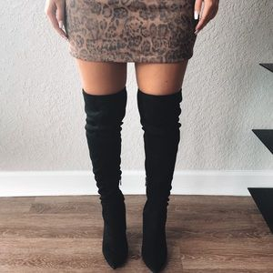 FAUX SUEDE THIGH HIGHS
